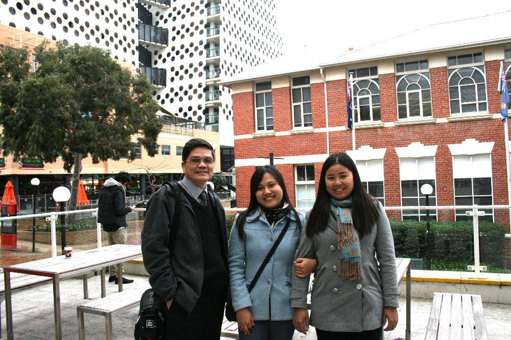 Our offshore team of 2012 during a visit to Swinburne University, Melbourne Australia.