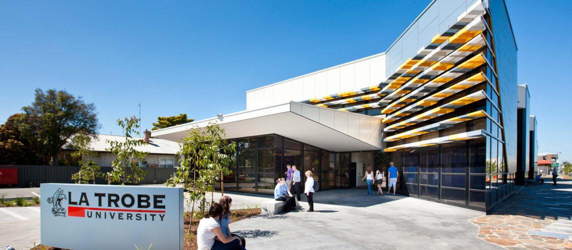 Ranking khủng của Đại học La Trobe Úc
